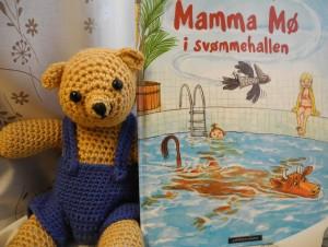 Mamma-Mo-i-svommehallen